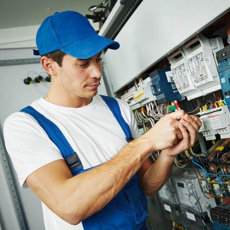 elektriker-installation-zuhause-752x752_1
